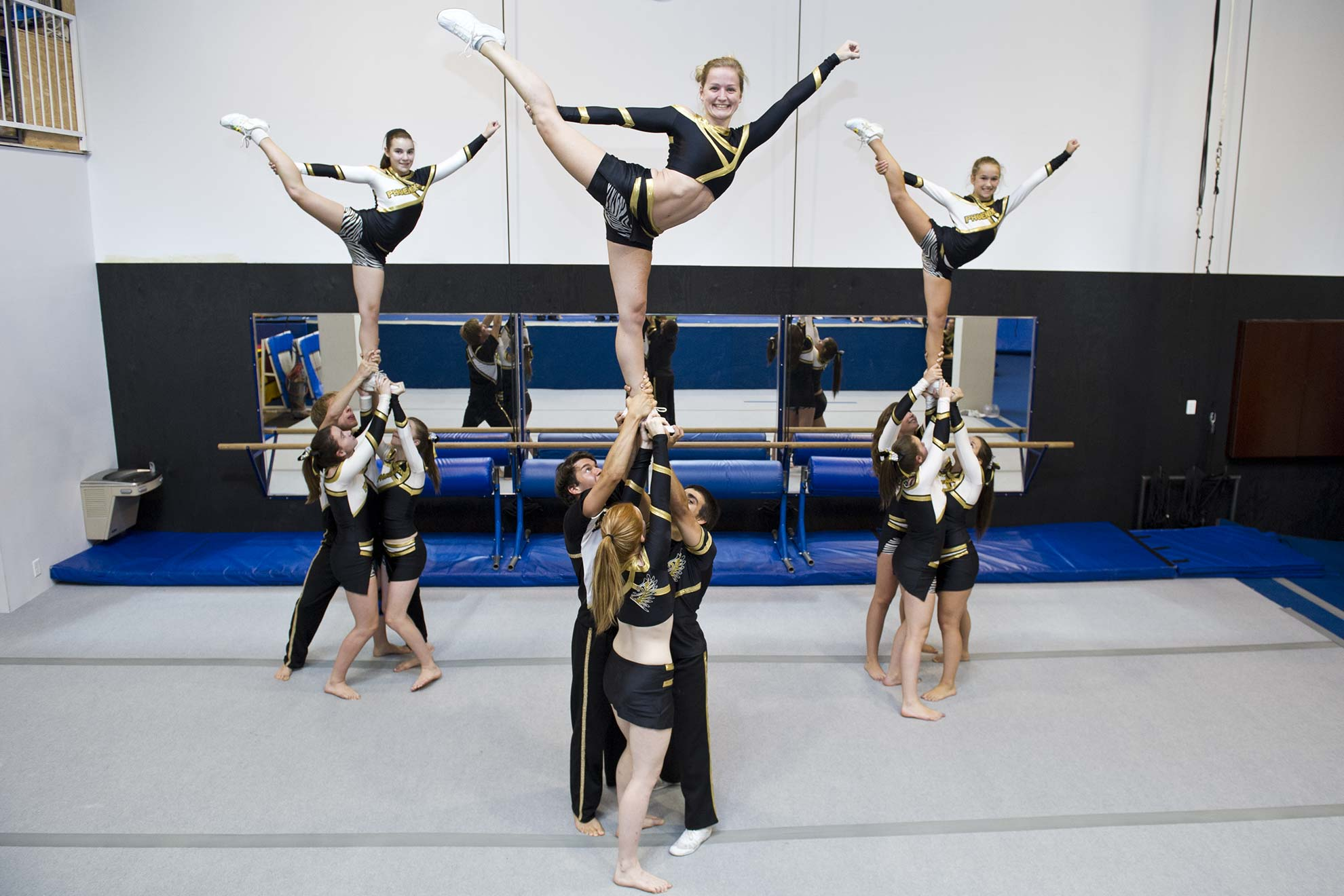 04-studiostudioacrobatique-cheerleading-min